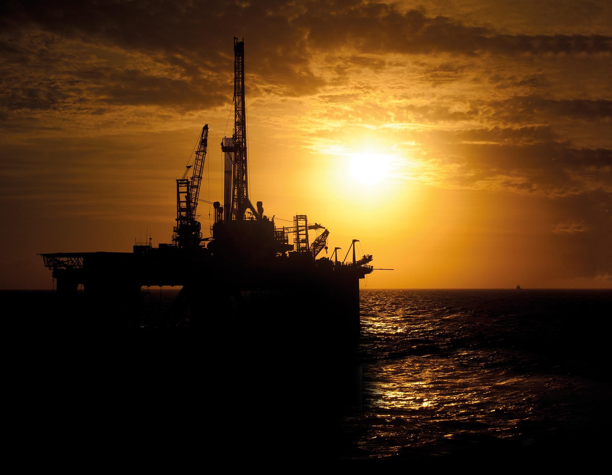Oil Gas@72dpi Oil & Gas
